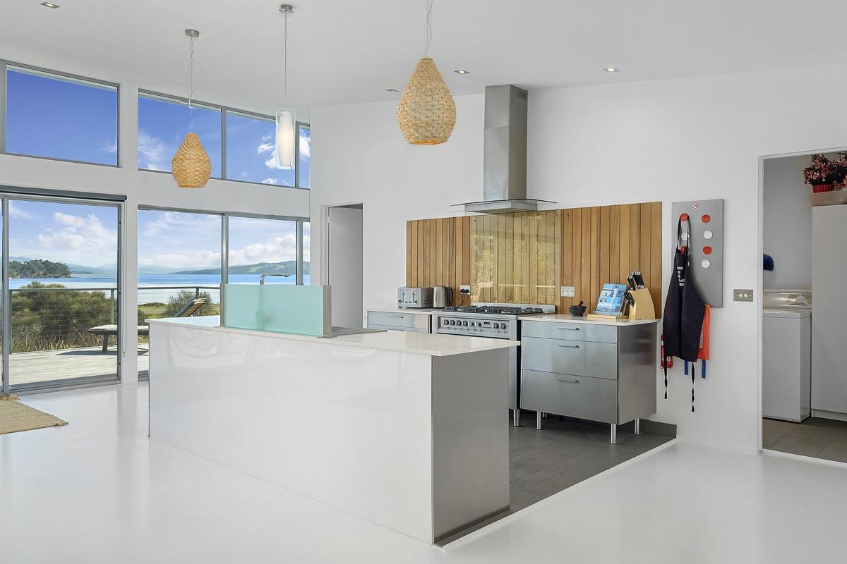 Sunset Bay Escape kitchen