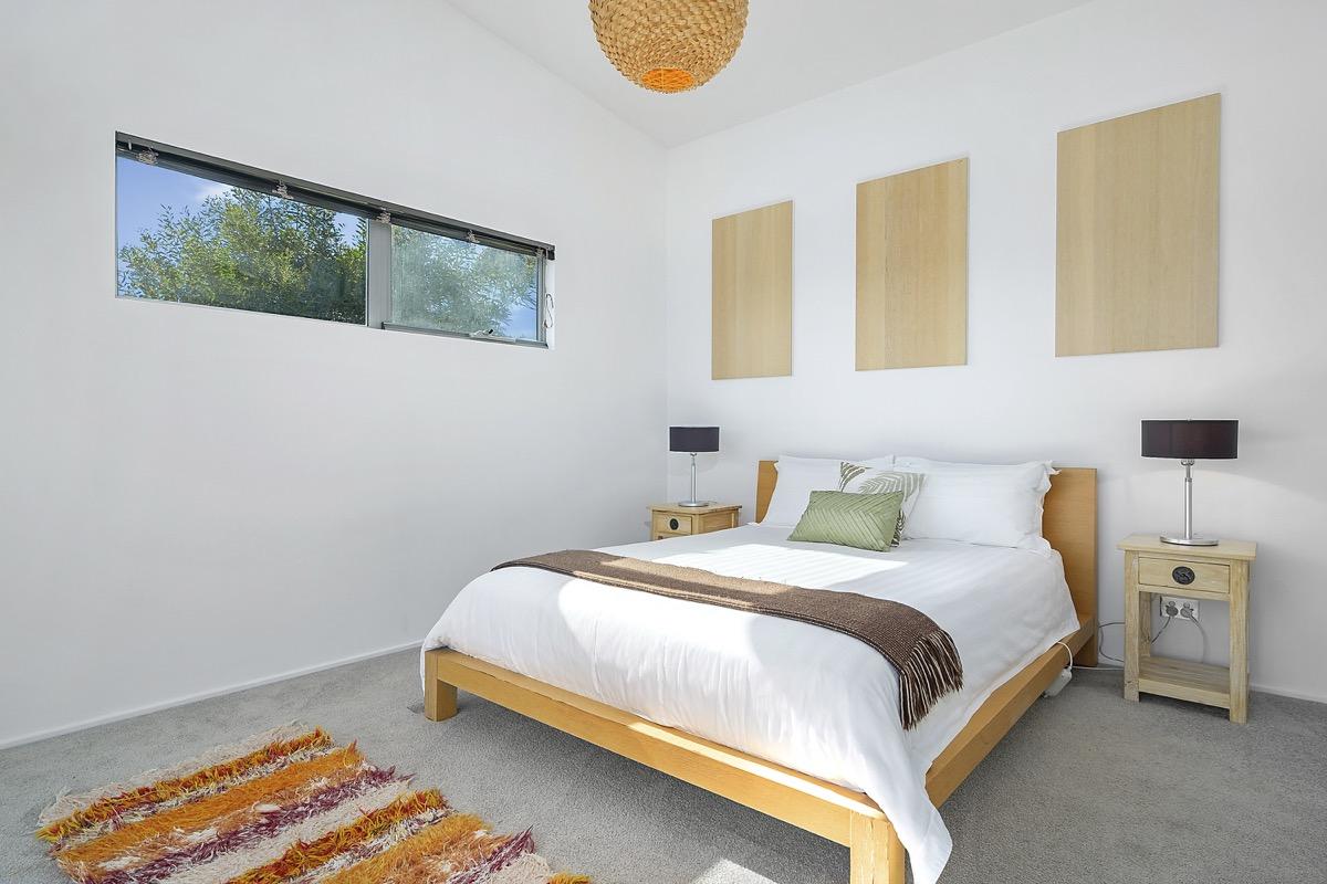 Sunset Bay Escape bedroom